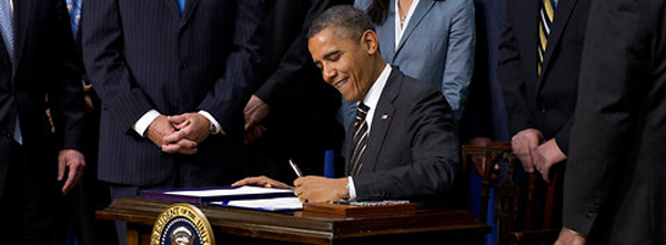 POTUS Obama Signs Executive Order 13691 Banning The Sale Of Assault Weapons